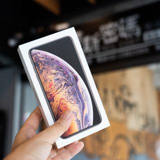 幫 iPhone Xs / Xs Max 尋找完整保護?imos 頂級康寧玻璃保護貼 + 包膜 + 藍寶石鏡頭保護 @3C 達人廖阿輝
