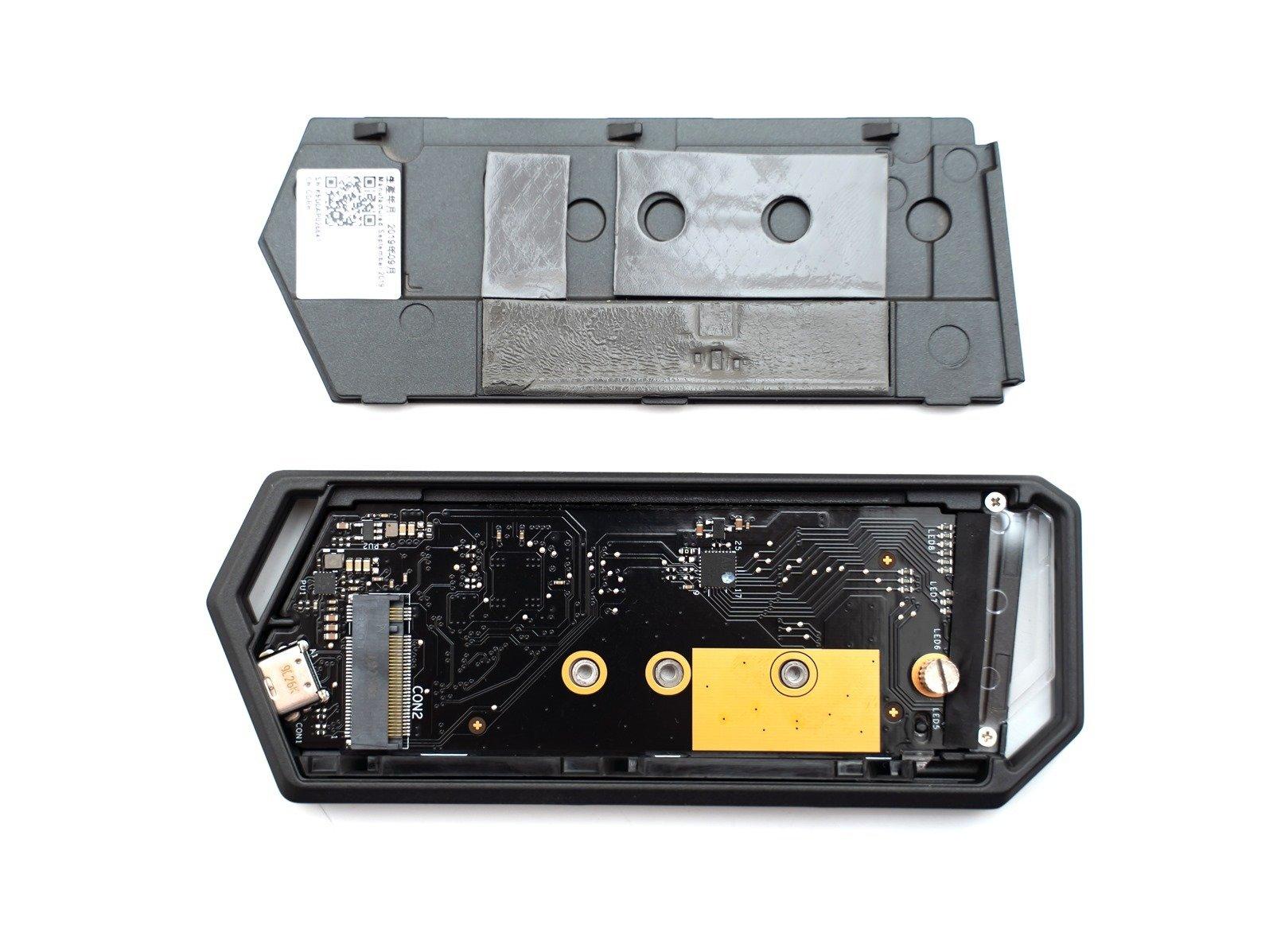 性能頂級之外帥氣更是加分項!ROG Strix Arion SSD 固態硬碟外接盒開箱 & 實測 @3C 達人廖阿輝