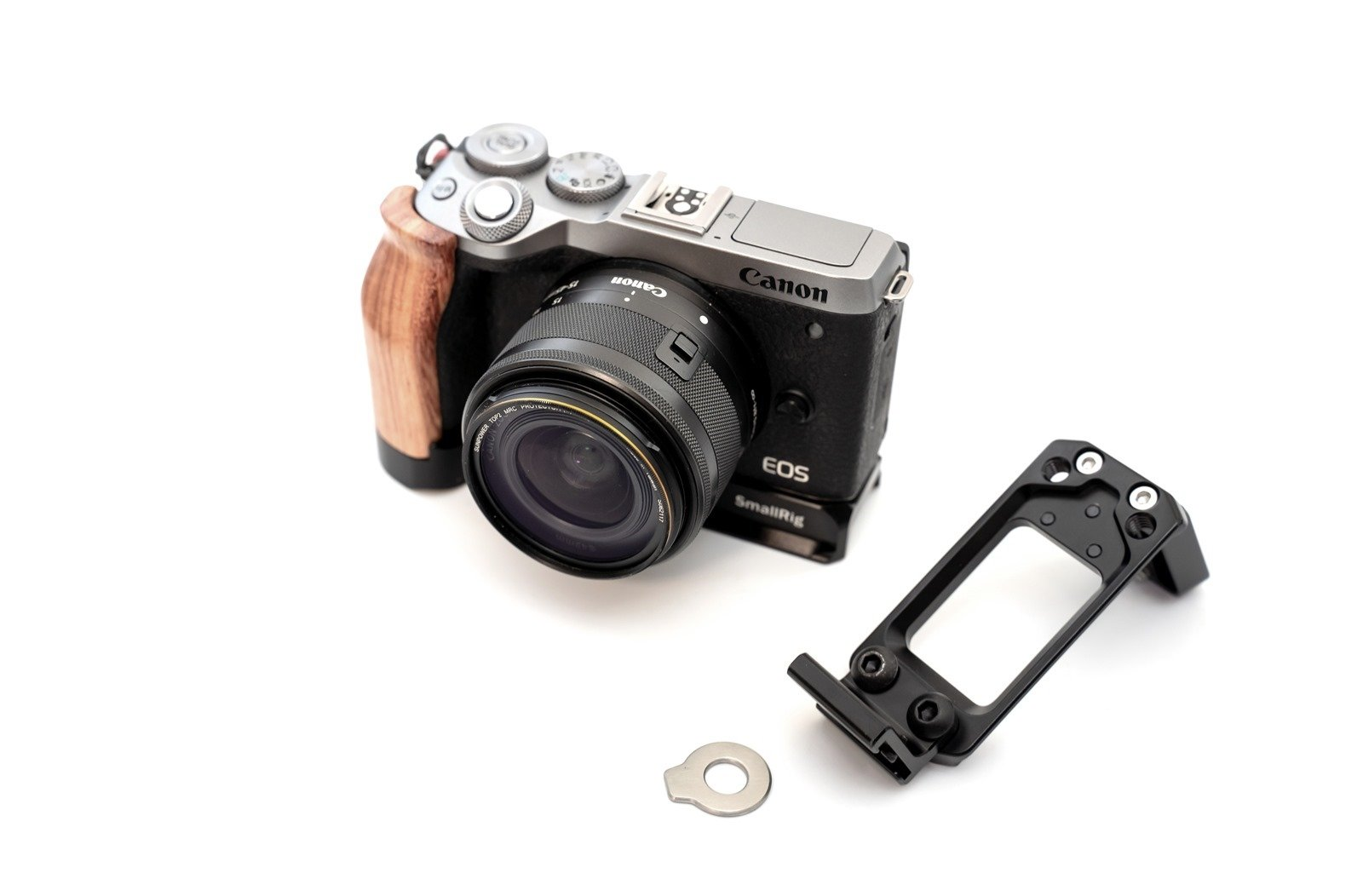 讓 EOS M6 Mark II 更好用的 SmallRig L 支架配件開箱分享 (SmallRig L-Bracket for Canon EOS M6 Mark II LCC2516) @3C 達人廖阿輝