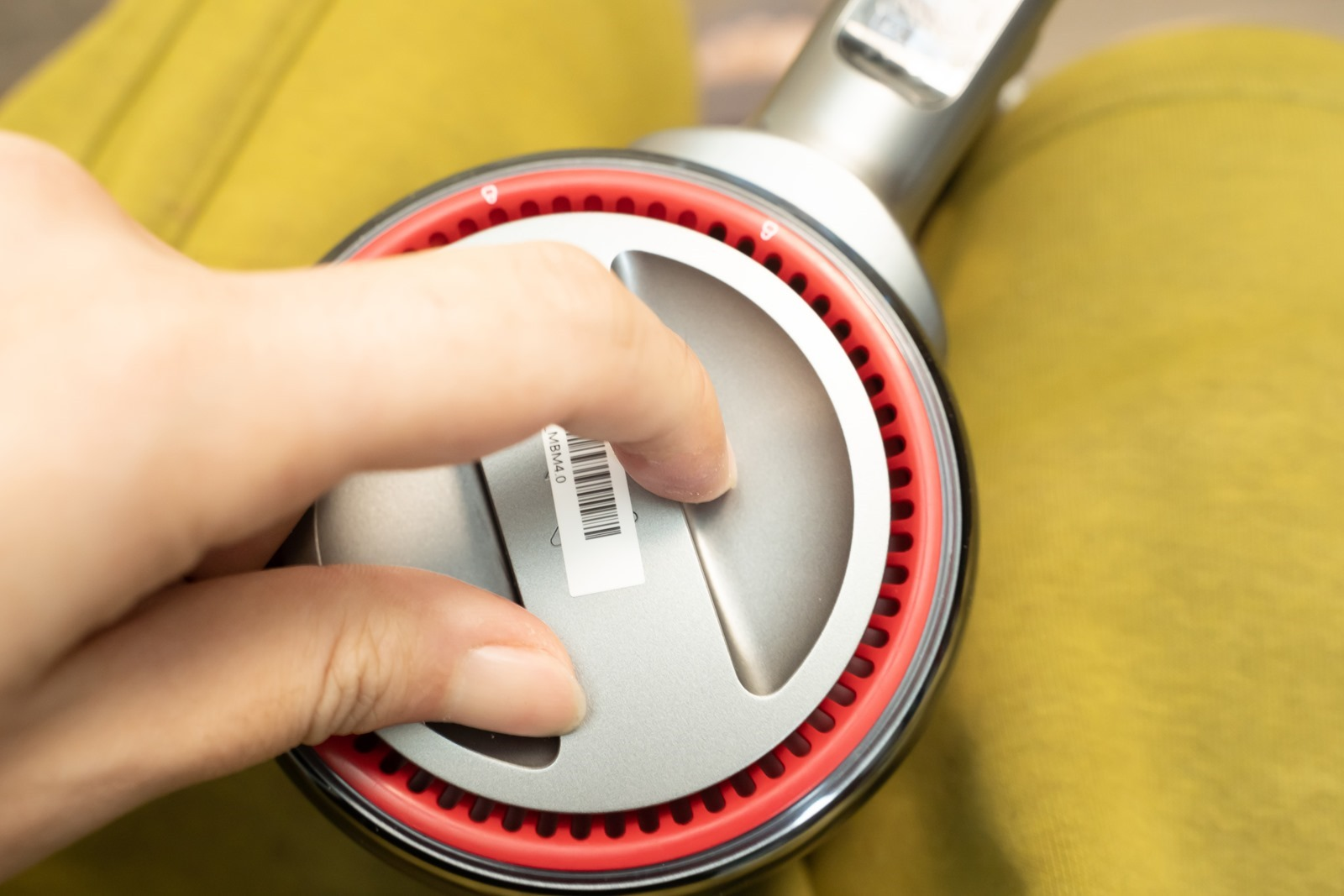 超越同價位機種打掃神器!石頭 H6 手持無線吸塵器使用 BMW 同級電動車電池技術,持久耐用 90 分鐘不斷電 @3C 達人廖阿輝