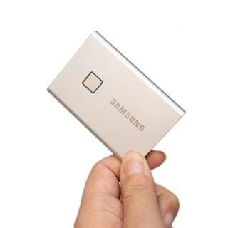 輕薄高速還有指紋辨識!三星移動式 T7 Touch SSD 開箱分享 / 性能實測 @3C 達人廖阿輝