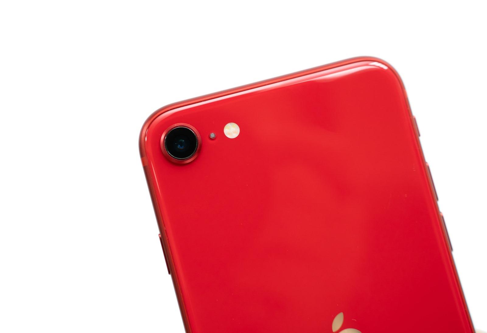 最便宜 iPhone 上市啦!台版 iPhone SE 2 開箱 (紅色款),看看盒中有什麼?( iPhone SE 2 (2020) unboxing) @3C 達人廖阿輝