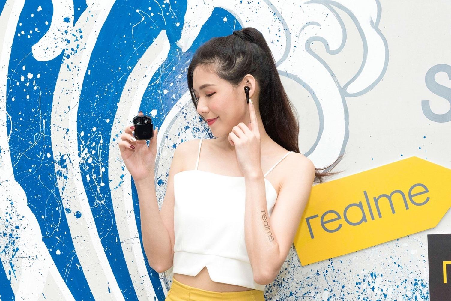 realme Buds Air 3 月中開賣,實銷僅半個月即躍升當月耳機市場排名第六 黑潮新色 5 月 21 日正式開搶 現折 200 元超殺回饋 專屬保護套同步開賣 @3C 達人廖阿輝