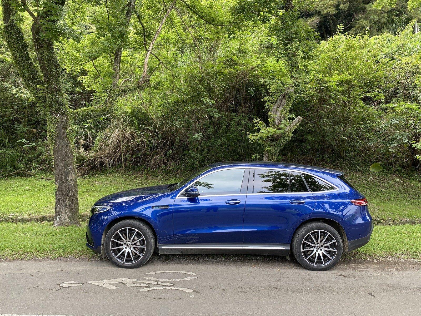 一試就來電 Mercedes-Benz EQC 400 4MATIC 首款賓士豪華電動休旅車,就要你愛的賓士造車魂 @3C 達人廖阿輝
