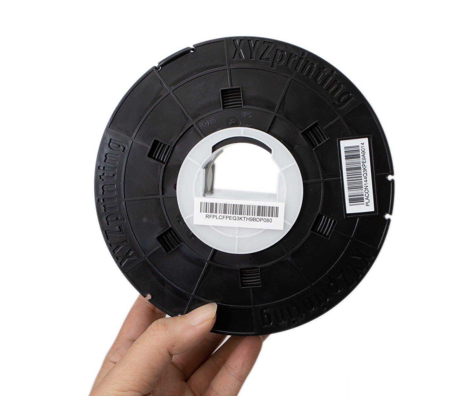 多功能3D列印機-da Vinci Jr. Pro X+的原廠線材有NFC晶片在其線材軸,可讓機器透過讀取晶片偵測線材剩餘量以及自動調整最適合的參數設定