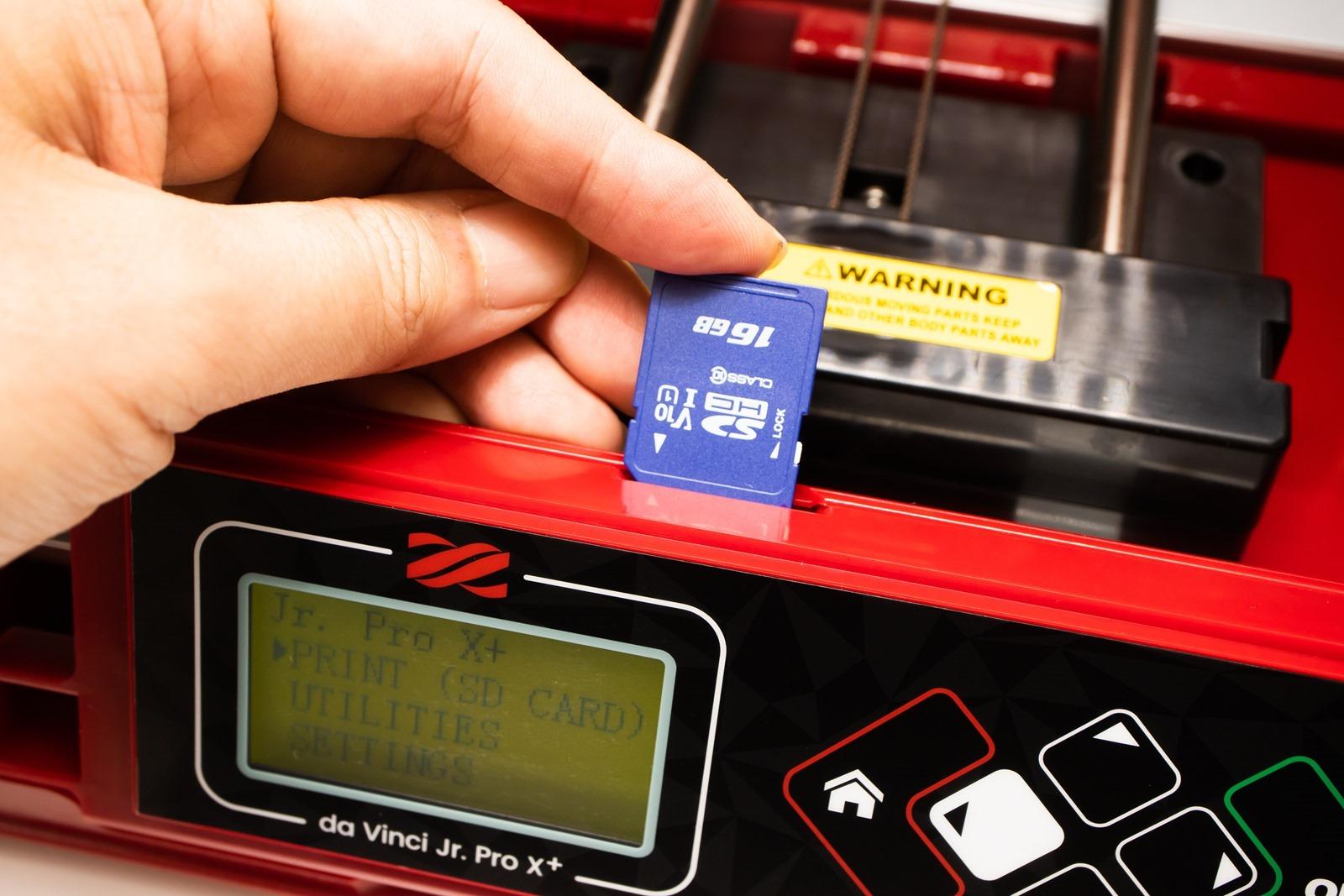 多功能3D列印機-da Vinci Jr. Pro X+,支援使用SD記憶卡來列印