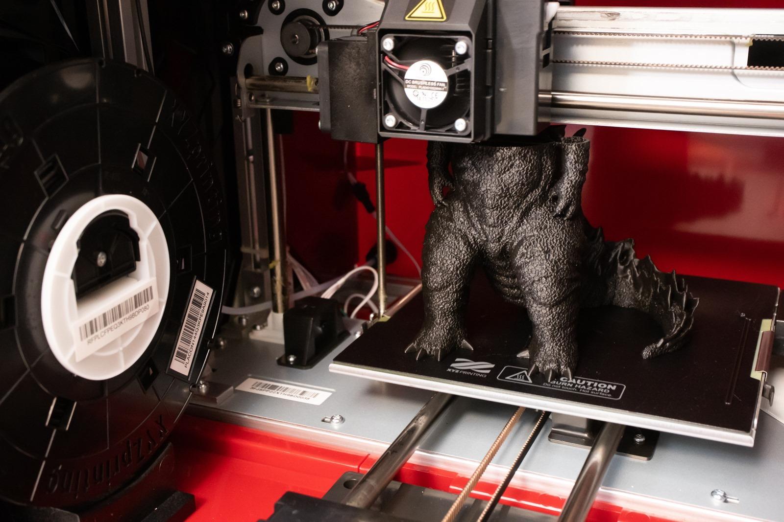 XYZprinting多功能3D列印機-da Vinci Jr. Pro X+,除了個人化辦公用品,還可列印哥吉拉等大型公仔