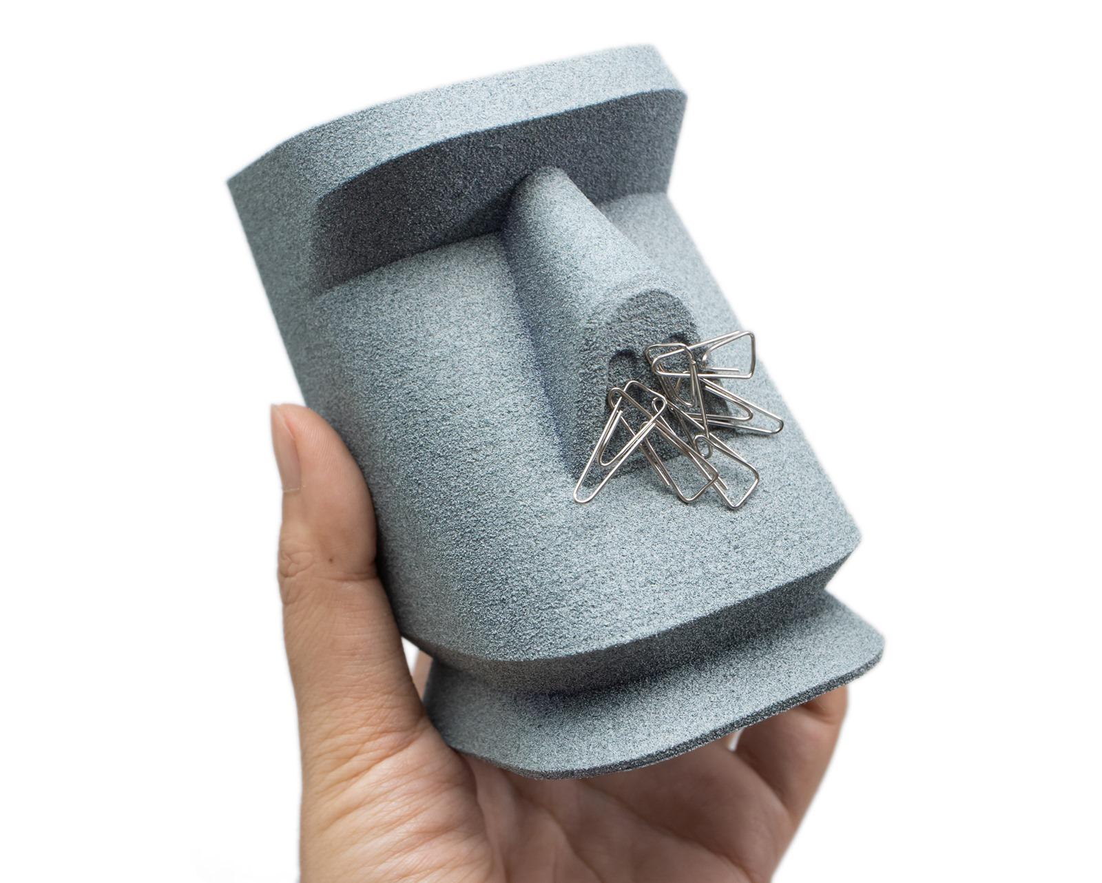 多功能XYZprinting3D列印機-da Vinci Jr. Pro X+,使用石頭噴漆加工過的3D列印摩艾筆筒