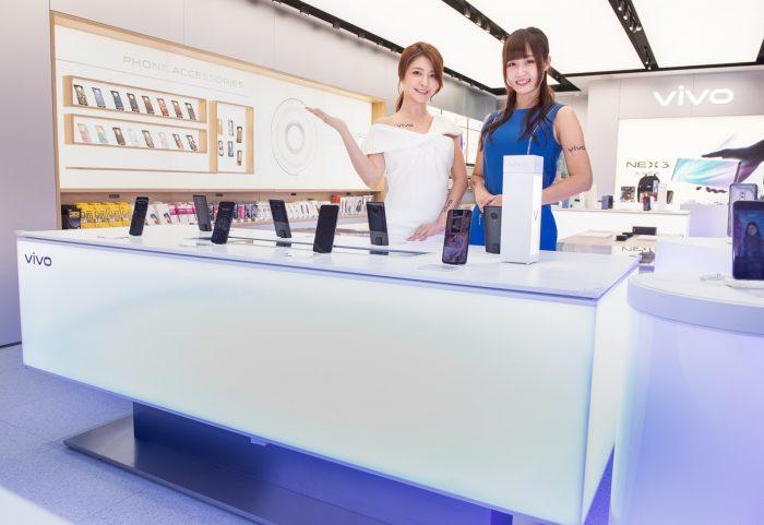 【新聞照片 2】vivo 三創智慧驗旗艦店,以智慧調光系統設計,模擬出多種戶外光源環境,滿足消費者體驗手機拍攝需求.jpg @3C 達人廖阿輝