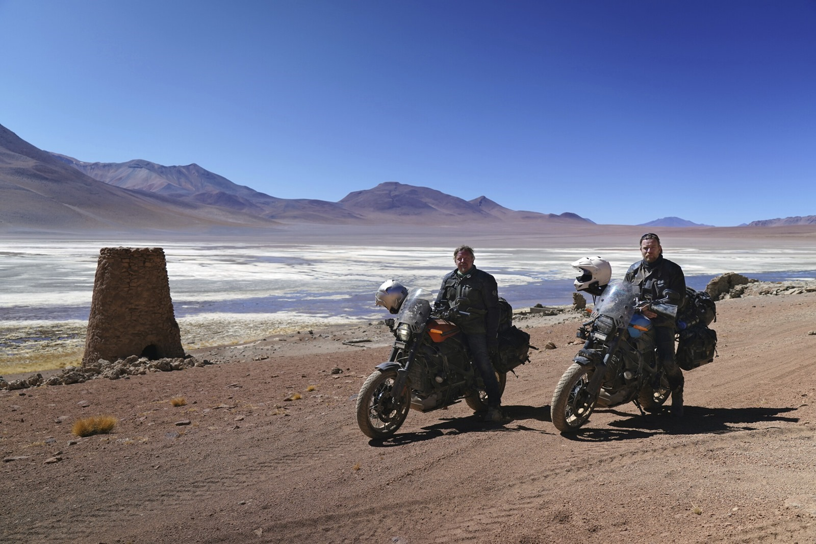 Apple TV+ 將播出伊旺麥奎格與查理布爾曼的全新電動摩托車環球長征之旅『Long Way Up』@3C 達人廖阿輝