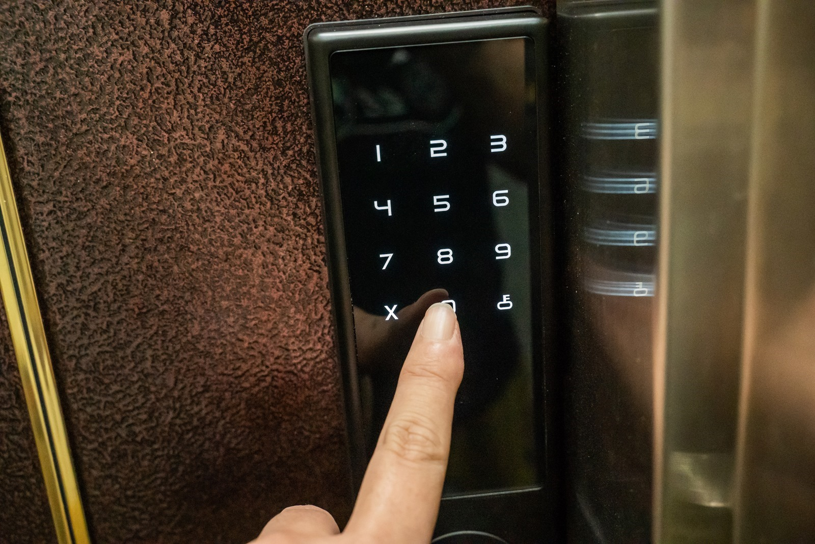 從叮叮噹噹又重的大把鑰匙中解放!OJJ 智慧指紋電子鎖給您輕鬆開門返家的自由體驗 @3C 達人廖阿輝