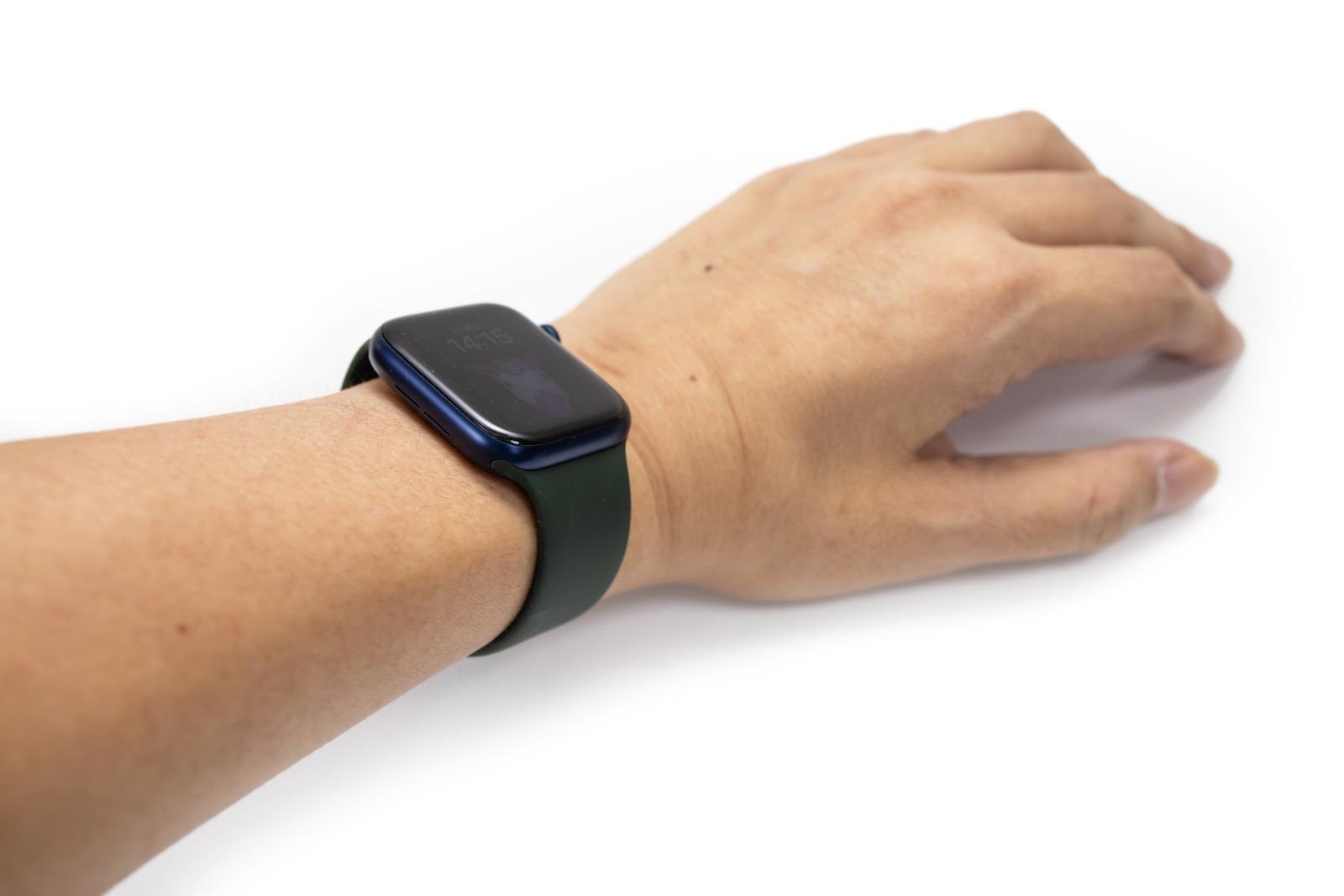 Apple Watch S6 (Serial 6) 開箱動手玩,看看盒中有什麼?( Apple Watch S6 unboxing) 也有單圈回環錶帶 & 單圈編織回環錶帶 @3C 達人廖阿輝