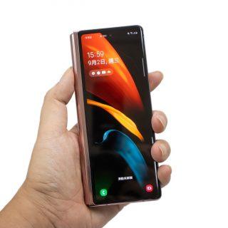 最想入手的新手機!像是未來回來的 Z Fold 2 簡單動手玩!沒有開箱的分享 @3C 達人廖阿輝