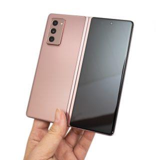 踏近未來的旗艦機!三星 Galaxy Z Fold2 5G 開箱評測!(開箱/性能/電力/相機) @3C 達人廖阿輝