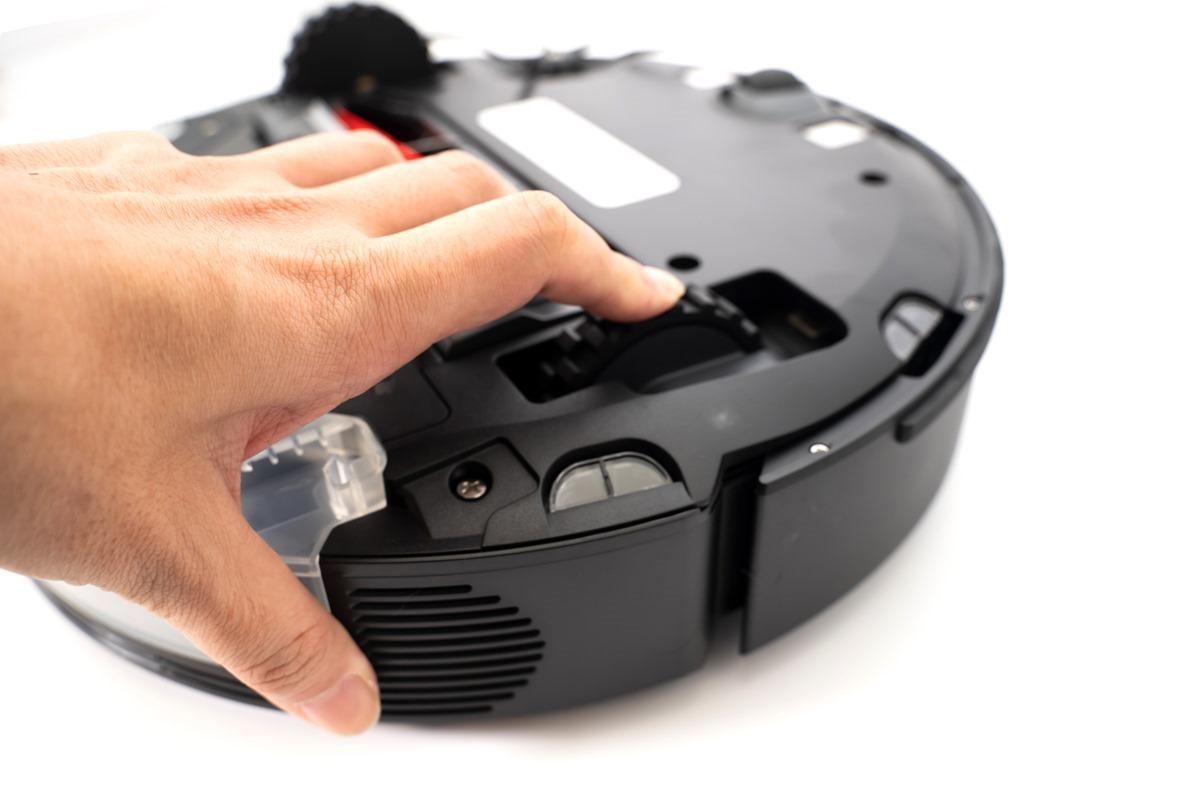 家中必備的時間管理大師!全球首款 AI 雙鏡頭避障、可拖可掃,Roborock 石頭掃地機器人 S6 MaxV 開箱 @3C 達人廖阿輝