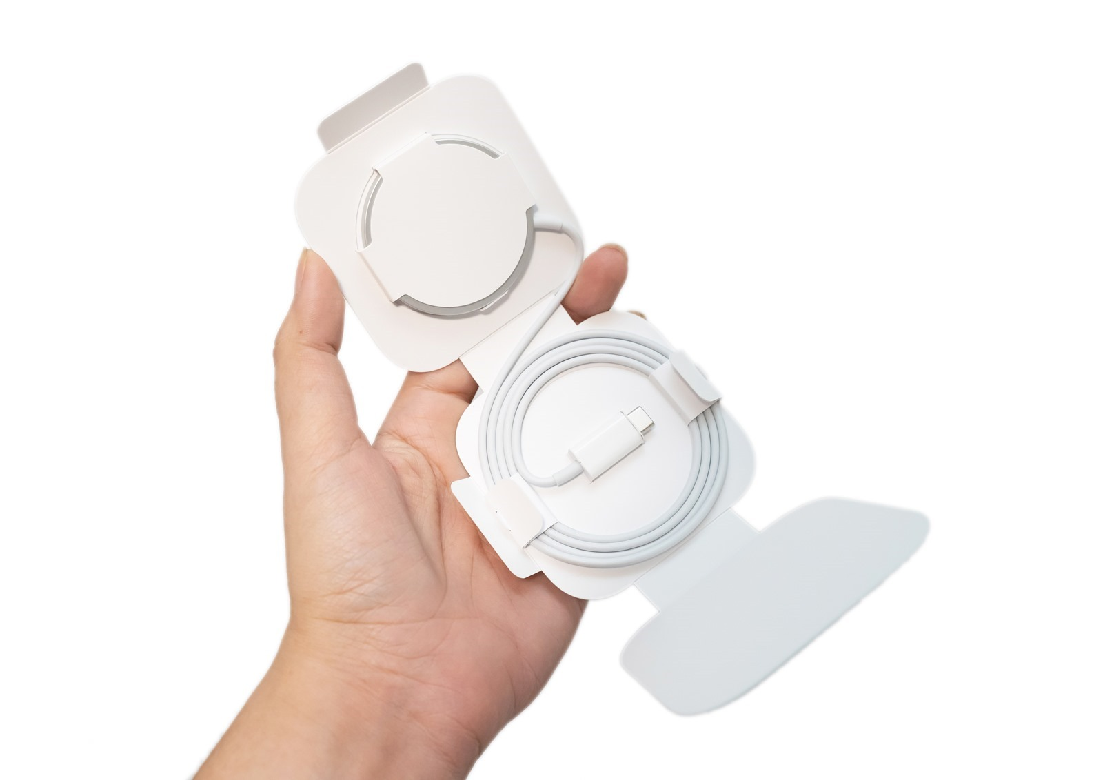 iPhone 12 充電實測 MagSafe 無線充電 / 一般無線充電 / 原廠 20W 快充 + MagSafe 開箱 @3C 達人廖阿輝