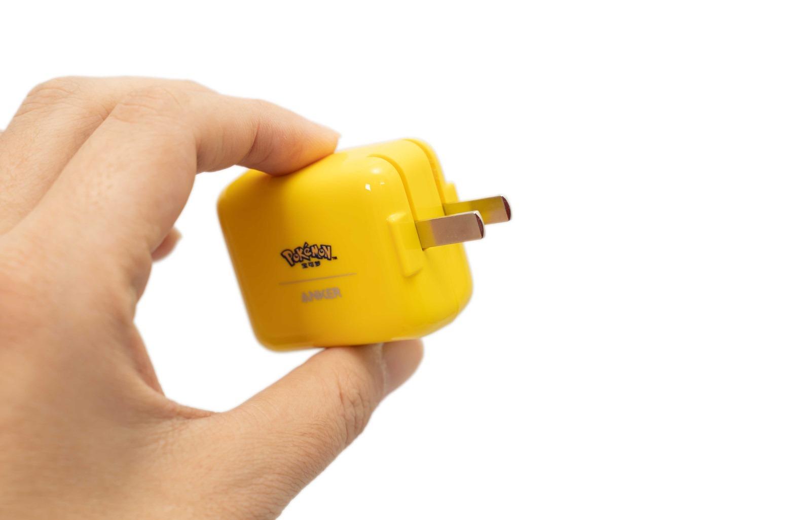 上啊神奇寶貝!Anker 寶可夢皮卡丘聯名 30W 充電器套裝開箱分享! @3C 達人廖阿輝