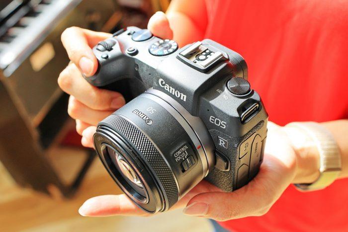 06-50mm-焦距具有與人眼相近的視野範圍,因此-RF50-F1.8-STM-適合拍攝各種題材,包括人像、街拍、美食、寵物、以及生活隨拍等,增添更多拍攝樂趣。_thumb.jpg @3C 達人廖阿輝