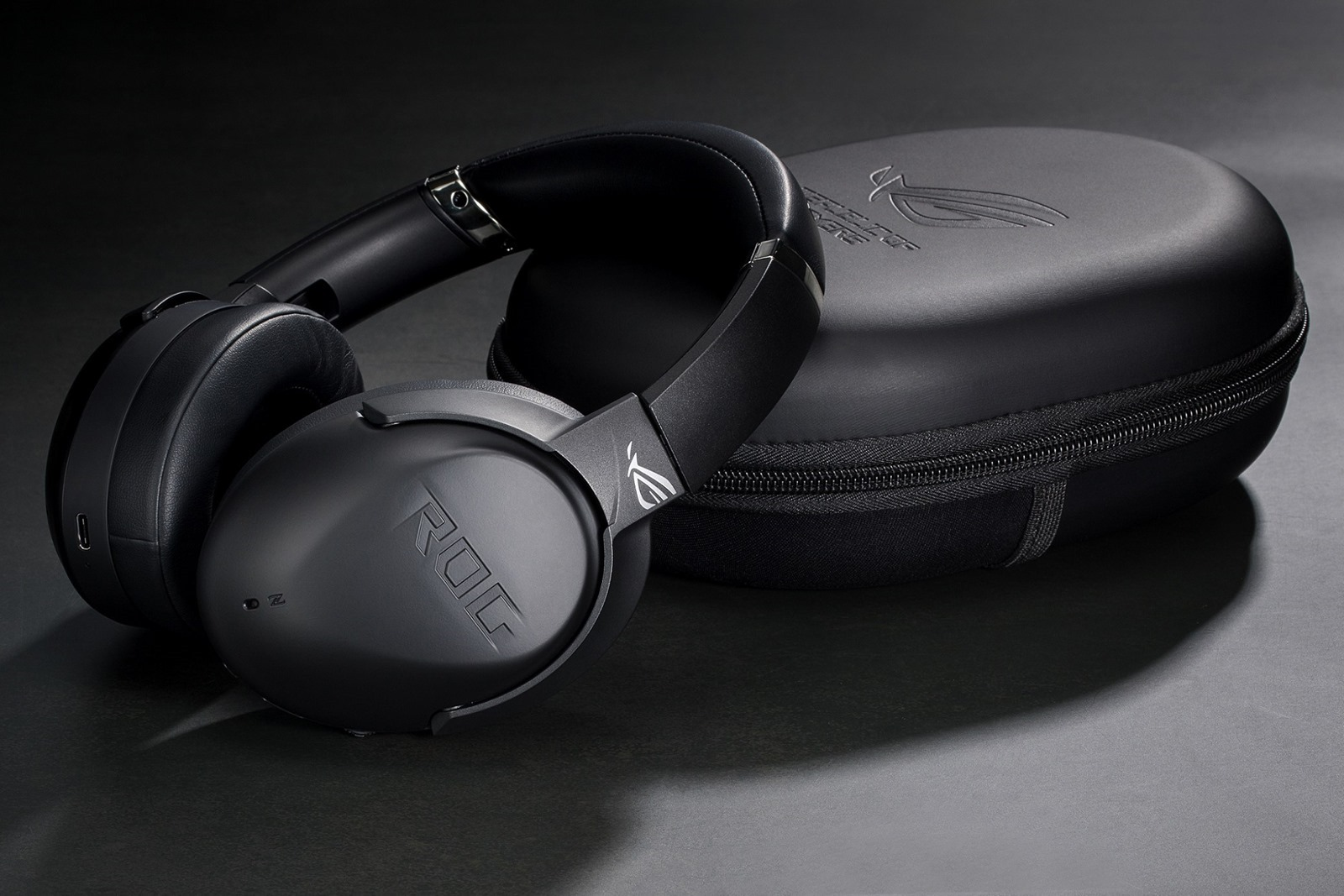 「ROG-Strix-Go-BT 電競耳機」採用高通 aptX-Adaptive 音頻技術,提供低延遲、高傳真的無線藍牙音訊。_thumb.jpg @3C 達人廖阿輝