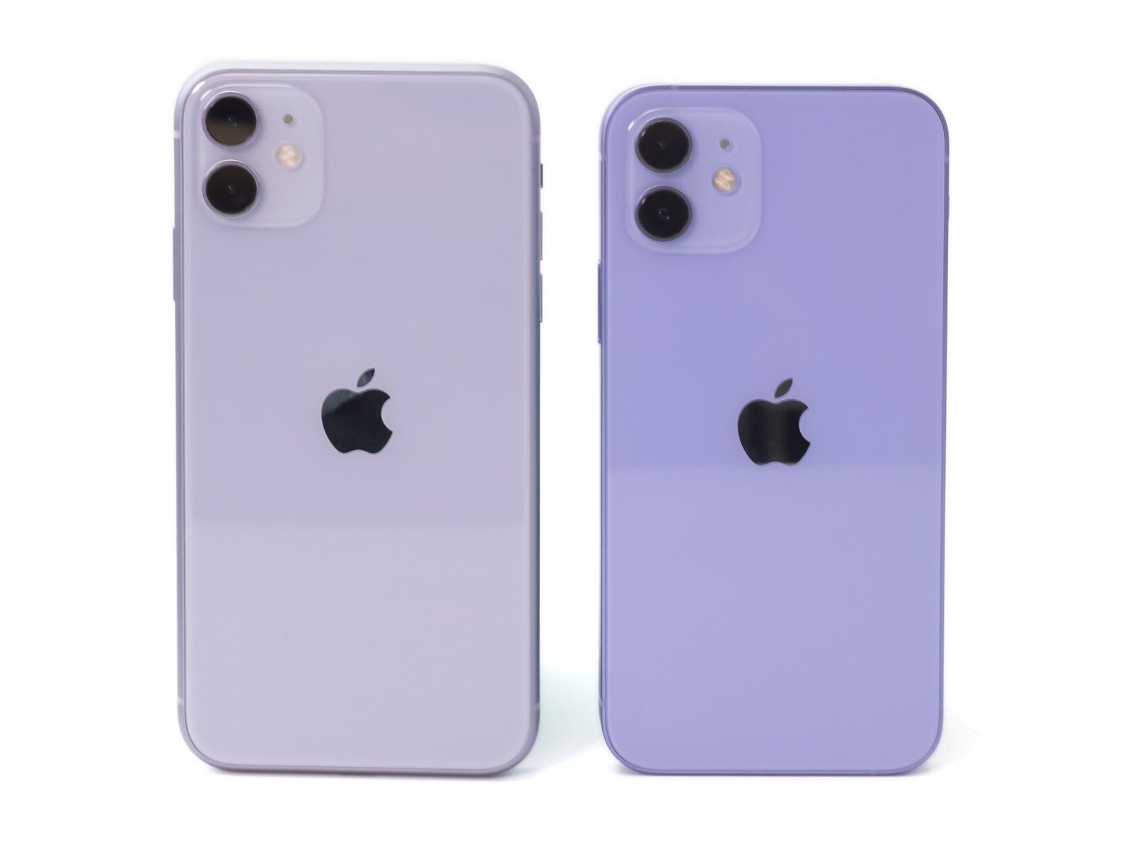 蘋果全新紫色配色報到!iPhone 12 紫色實機開箱動手玩!還有與 iPhone 11 紫比對 @3C 達人廖阿輝
