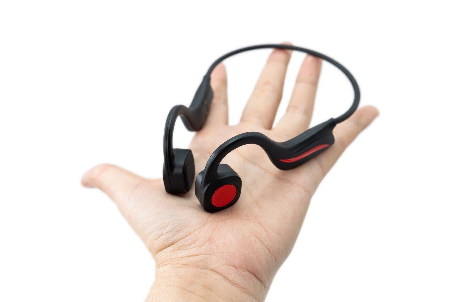 為了運動而生!inaday's B20 曜夜黑骨傳導藍牙運動耳機,解放你的雙手 @3C 達人廖阿輝