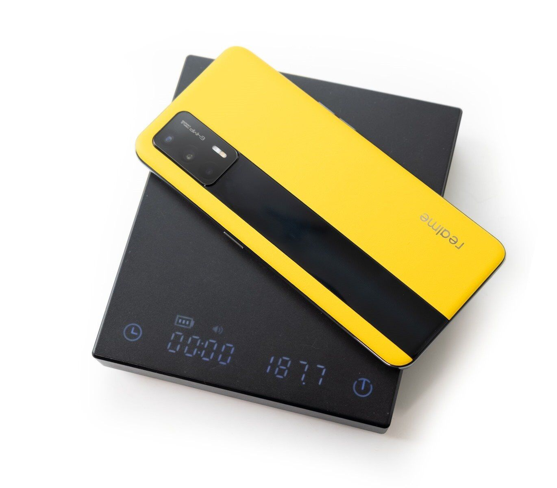 最便宜 S888 手機 Realme GT 新色『realme 曙光色』素皮玻璃雙材質機身真是有夠好看! @3C 達人廖阿輝