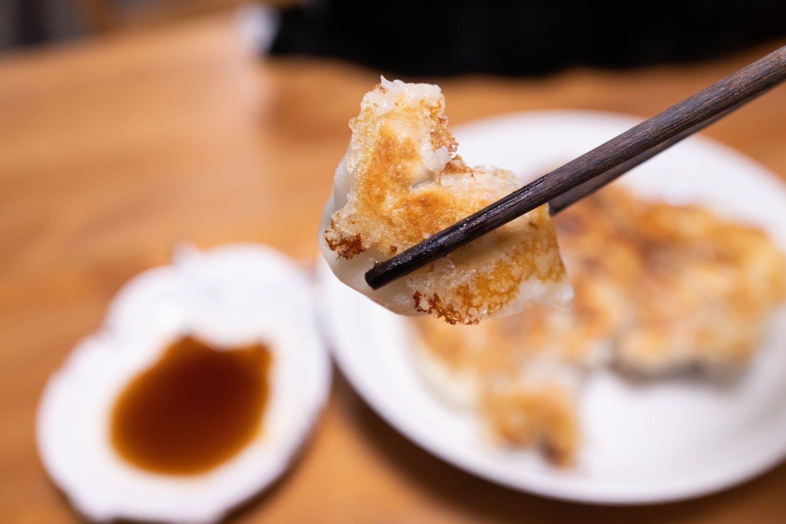 [懶人簡單料理] 家庭煎餃用冷凍水餃簡單做 @3C 達人廖阿輝