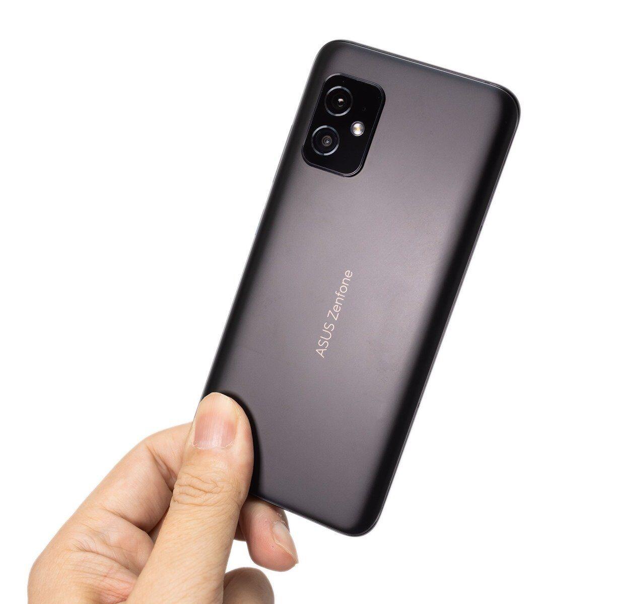 剛好!更好!最強輕巧旗艦機 Zenfone 8 完整開箱評測 + Zenfone 8 / Zenfone 8 Flip 怎麼選? @3C 達人廖阿輝