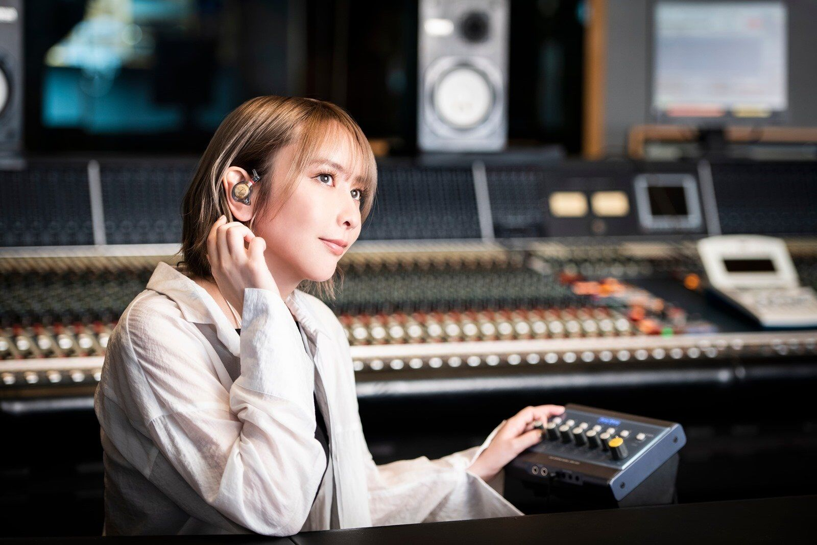 Sony 客製化入耳式耳機 Just ear 藍井艾露調音版 XJE-MHREIR「Always connected」享受高音質的音樂連結 @3C 達人廖阿輝