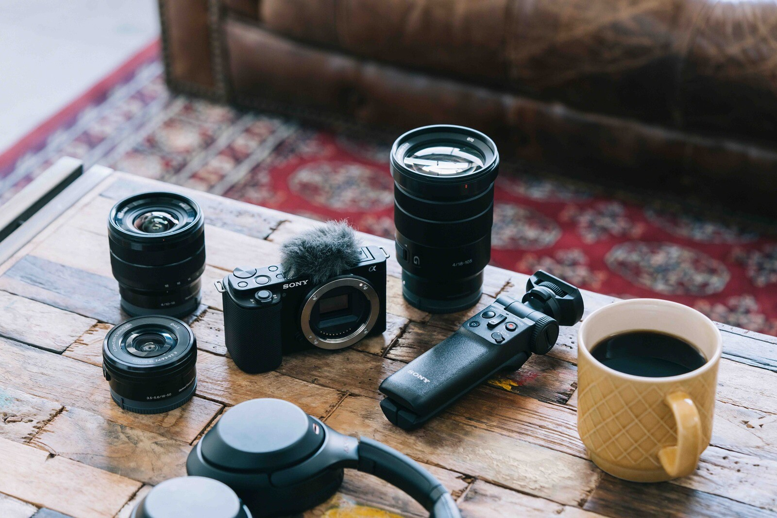 圖 4-Sony-可換鏡數位相機-Alpha-ZV-E10-可視需求搭配-E-接環系統多元焦段鏡頭,增加拍攝靈活度,讓創作不受限。.jpg @3C 達人廖阿輝