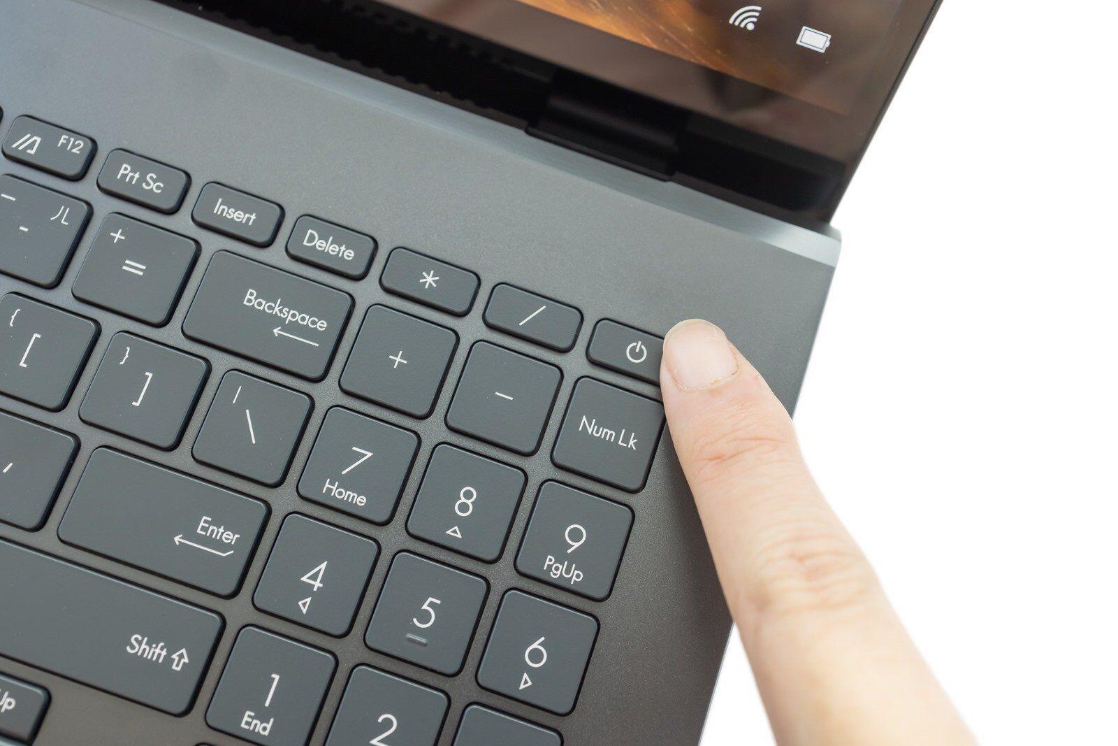 高規加上 OLED 螢幕 ASUS ZenBook Pro 15 OLED (UX535) 內外皆美! @3C 達人廖阿輝
