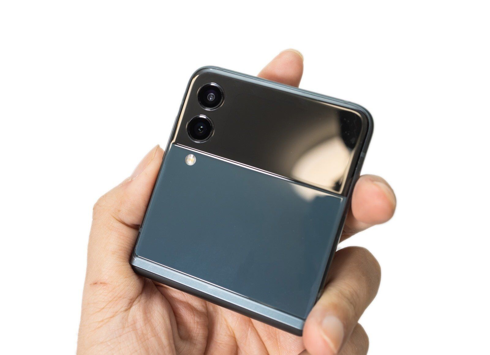 有一種實力叫顏值高!三星 Galaxy Z Flip3 5G 最美摺疊機展現自我風格 @3C 達人廖阿輝